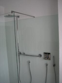 fliesenspiegel aus glas badezimmer. Black Bedroom Furniture Sets. Home Design Ideas