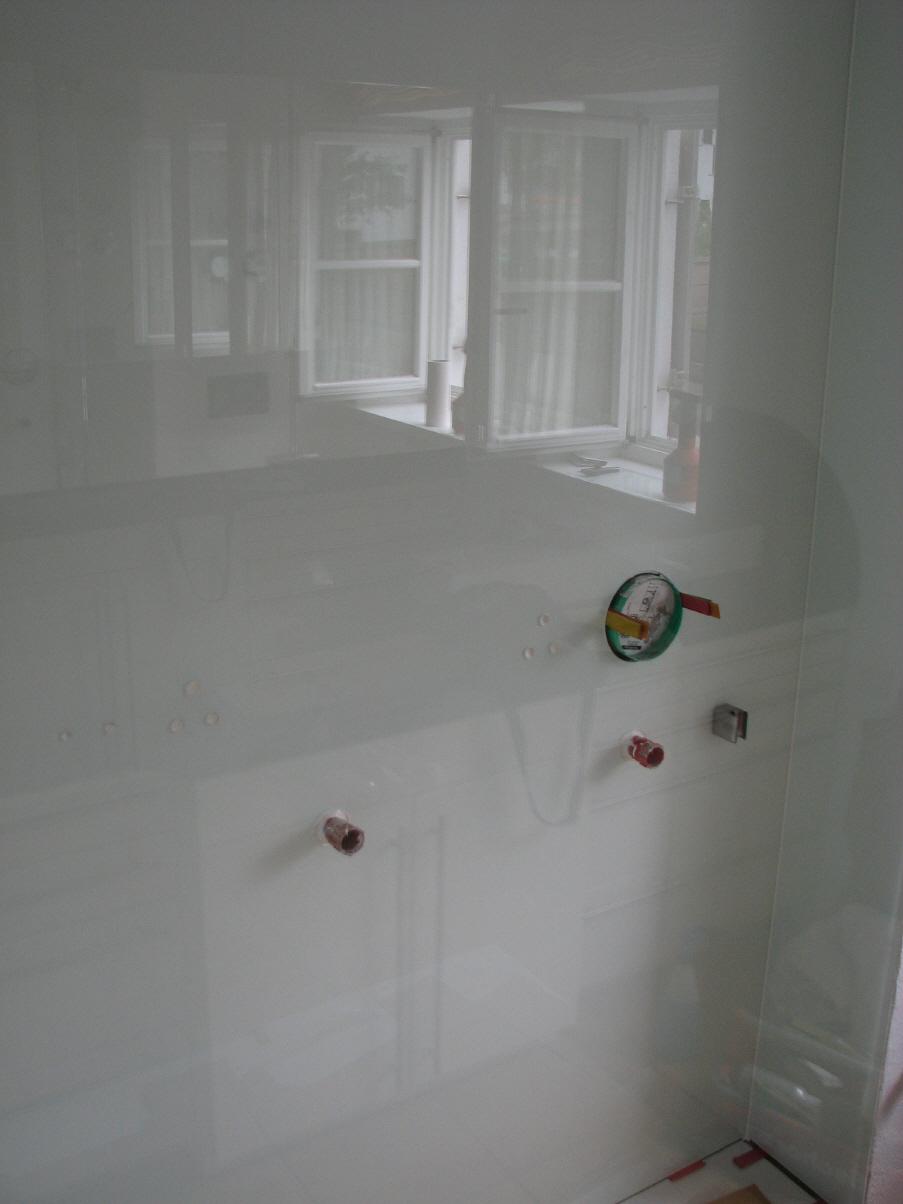 dusche statt wanne fliesen tecchio glasduschr ckwand statt fliesen in der dusche glasduschen. Black Bedroom Furniture Sets. Home Design Ideas