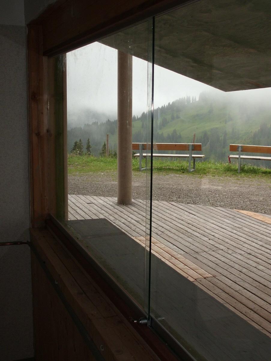 wetterschutz f r kiosk aus glas zum schieben. Black Bedroom Furniture Sets. Home Design Ideas